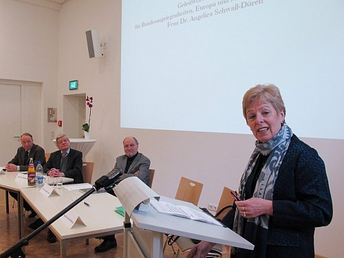 Foto: Symposium am 21.02.2011 - Dr. Angelica Schwall-Düren, Prof. Dr. Siegfried Jäger, Prof. Dr. Michael Brocke, D. Jobst Paul